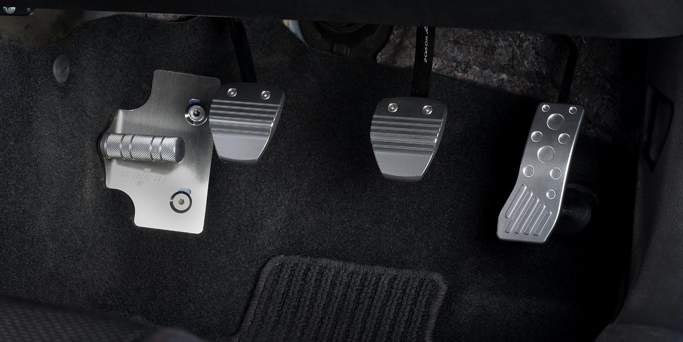 BRZ(型式:ZC6)MT車装着イメージ