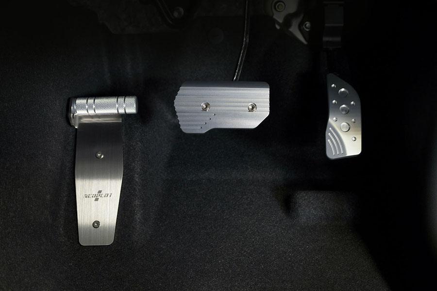 NEOPLOTのペダルレイアウト/ジムニー(型式:JB64W)AT車
